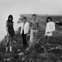 mute-artist-throbbing-gristle