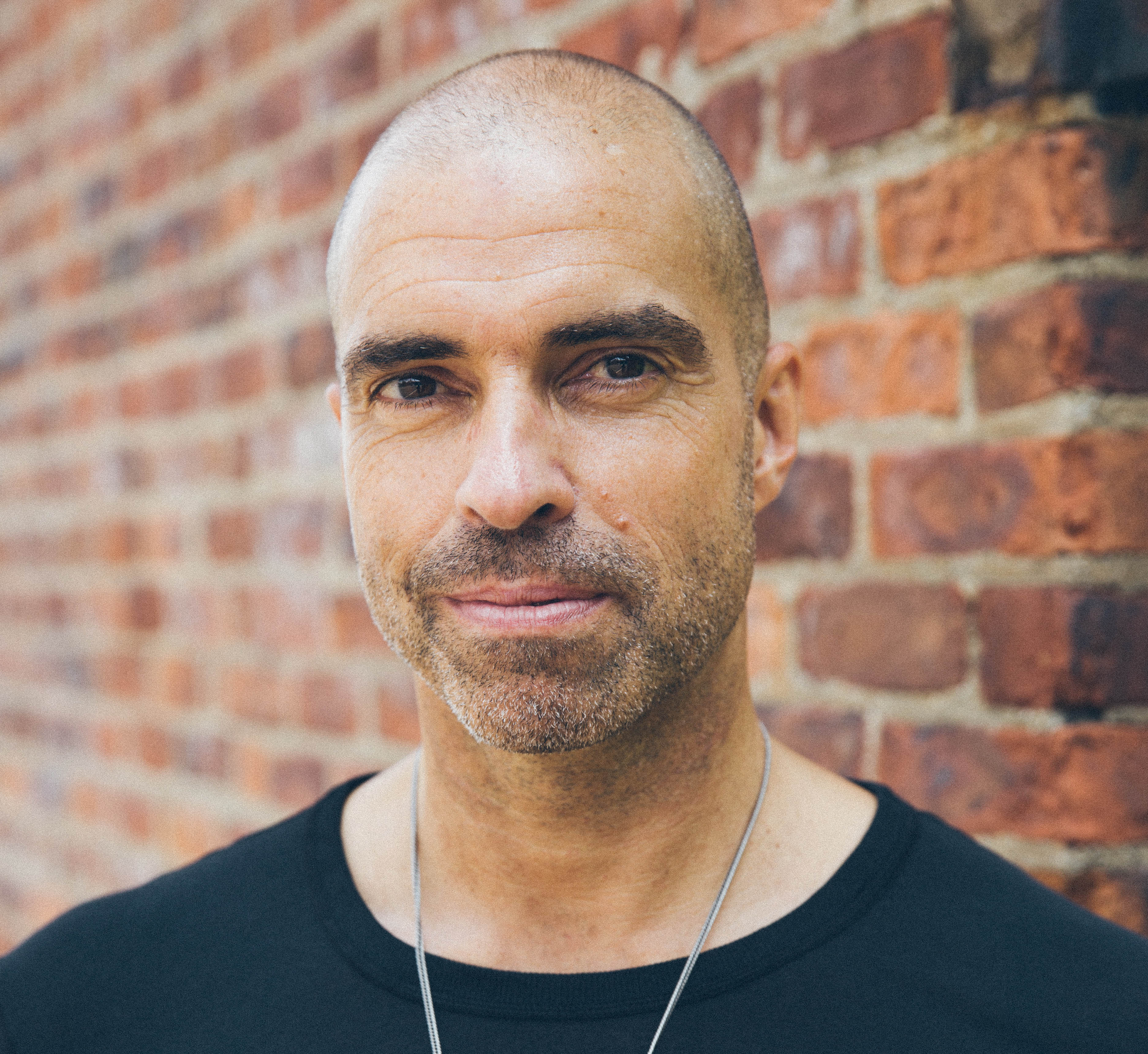 mute chris liebing listen to card house featuring miles cooper